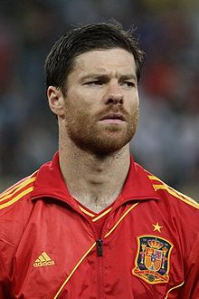 220px-Xabi_Alonso_Euro_2012_vs_France_01